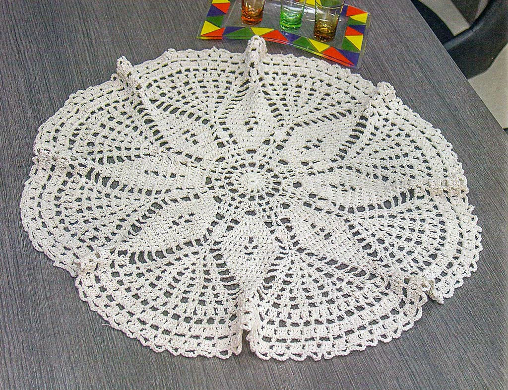 Tablecloth crochet pattern free - Very easy to do - YARN ...
