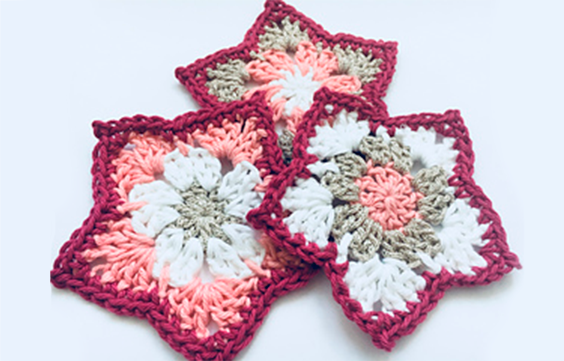 Amigurumi Flowers Free Patterns : How to crochet a pointed petal flower free pattern pdf download